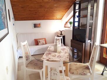 Petrčane, Obývací pokoj v ubytování typu apartment, domácí mazlíčci povoleni a WiFi.