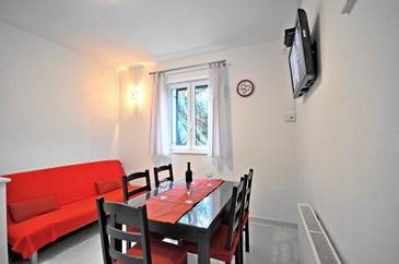 Podstrana, Dining room in the apartment, air condition available and WiFi.