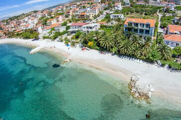 Podstrana, Split, Property 16829 - Apartments near sea with pebble beach.