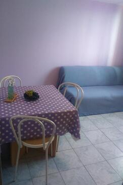 Tučepi, Гостиная в размещении типа apartment, Домашние животные допускаются и WiFi.