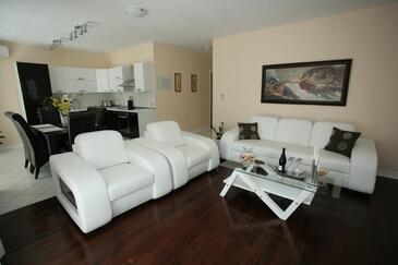 Sumartin, Obývací pokoj 1 v ubytování typu house, WiFi.