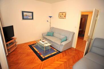 Sutivan, Living room in the apartment, WiFi.