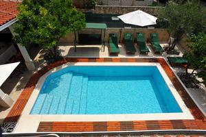 Apartmány u moře s bazénem Sutivan (Brač) - 16846