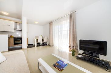Sveti Petar, Obývací pokoj 1 v ubytování typu apartment, s klimatizací a WiFi.