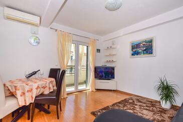 Igrane, Гостиная в размещении типа apartment, WiFi.