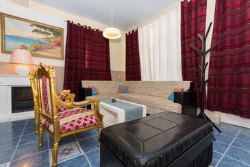 Okrug Gornji, Dnevna soba v nastanitvi vrste apartment, dostopna klima in WiFi.