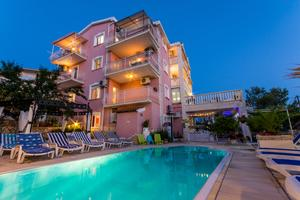 Family friendly apartments with a swimming pool Okrug Gornji (Čiovo) - 16893