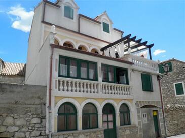 Tribunj, Vodice, Propiedad 16895 - Apartamentos by the sea.