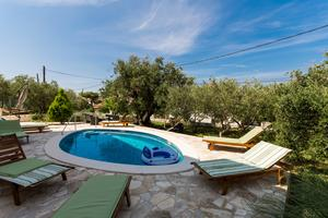 Family friendly apartments with a swimming pool Okrug Gornji (Čiovo) - 16901