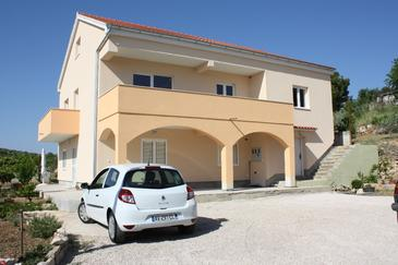 Bilice, Krka, Property 16904 - Apartments near sea with pebble beach.