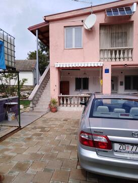 Vir - Lozice, Vir, Property 16929 - Apartments with pebble beach.