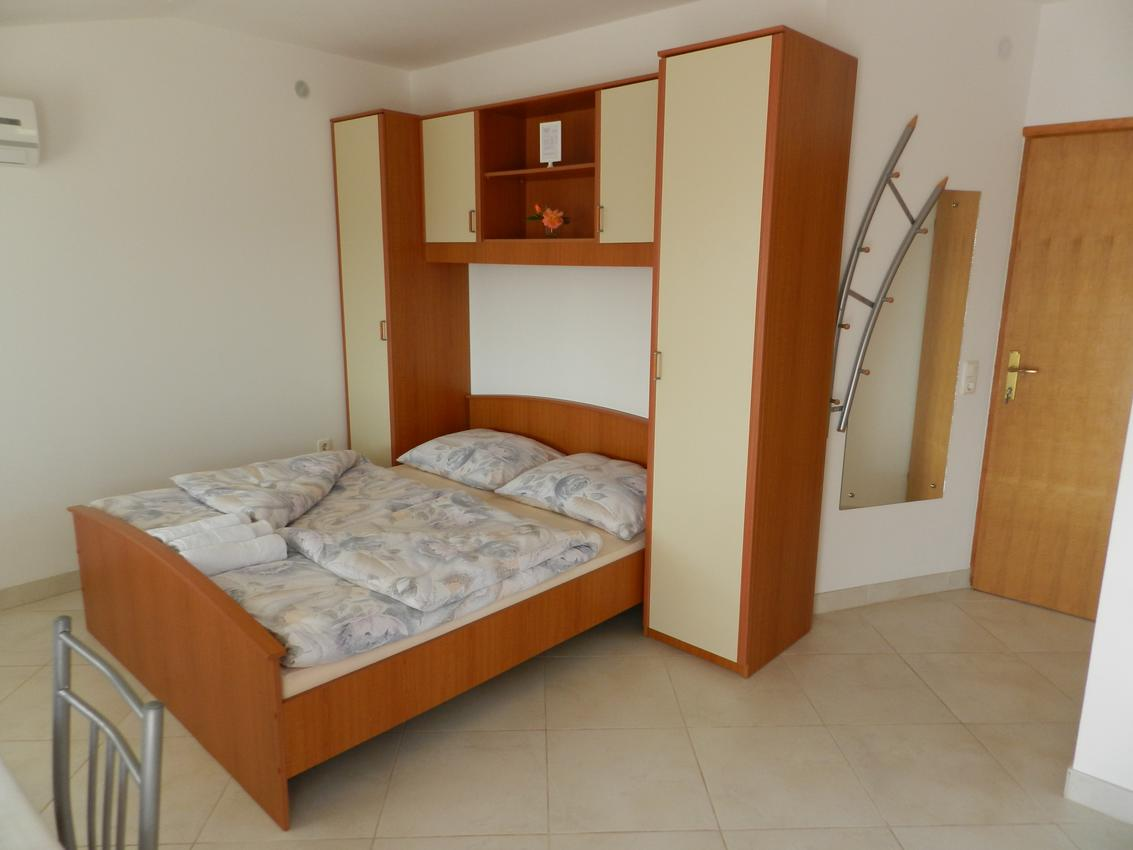 Ferienwohnung Studio Appartment im Ort Sveti Vid (Krk), Kapazität 2+0 (2604828), Sveti Vid-Miholjice, Insel Krk, Kvarner, Kroatien, Bild 4