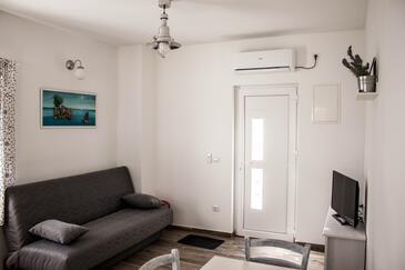 Sveti Filip i Jakov, Obývací pokoj v ubytování typu studio-apartment, s klimatizací a WiFi.