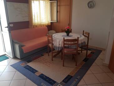 Okrug Donji, Obývací pokoj v ubytování typu apartment, s klimatizací a WiFi.