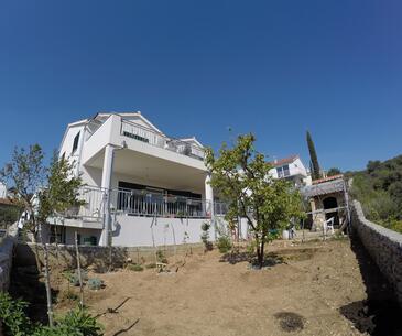Brodarica, Šibenik, Объект 16978 - Апартаменты с галечным пляжем.