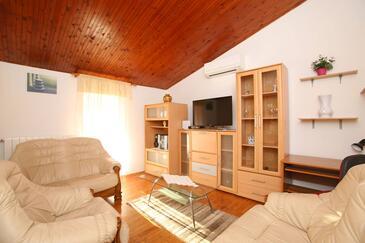 Ripenda Verbanci, Dnevna soba v nastanitvi vrste house, dostopna klima, Hišni ljubljenčki dovoljeni in WiFi.
