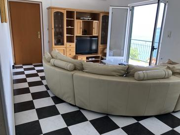 Poljica, Living room in the apartment, air condition available, (pet friendly) and WiFi.