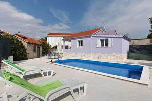 Family friendly house with a swimming pool Vinišće, Trogir - 17012