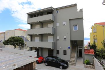 Nemira, Omiš, Property 17039 - Apartments near sea with pebble beach.