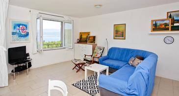 Šilo, Obývacia izba v ubytovacej jednotke apartment, klimatizácia k dispozícii, domáci miláčikovia povolení a WiFi.