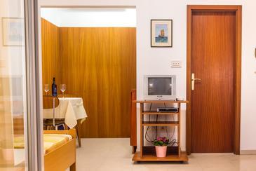 Novalja, Столовая в размещении типа studio-apartment, WiFi.