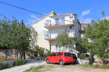 Podstrana, Split, Property 17053 - Apartments with pebble beach.