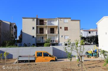 Podstrana, Split, Property 17054 - Apartments with pebble beach.