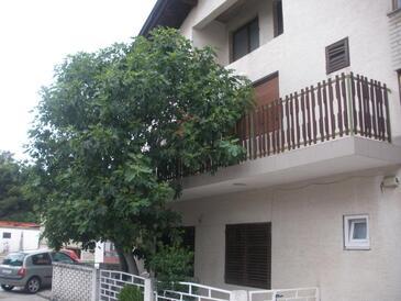 Vodice, Vodice, Объект 17058 - Апартаменты с галечным пляжем.
