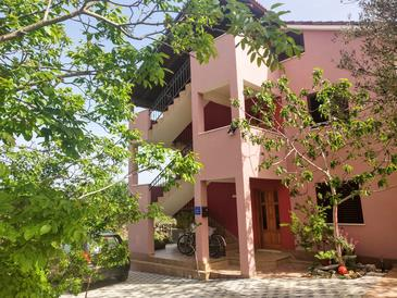 Vinišće, Trogir, Property 17062 - Apartments in Croatia.