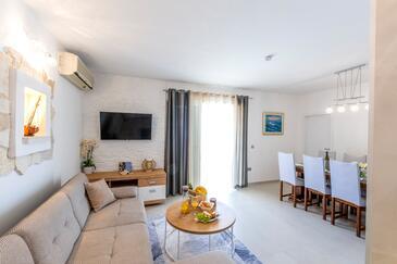 Ražanj, Pokój dzienny w zakwaterowaniu typu house, Dostępna klimatyzacja i WiFi.