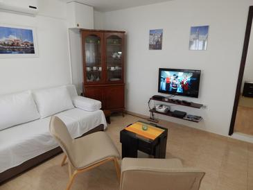 Okrug Donji, Living room in the apartment, air condition available and WiFi.