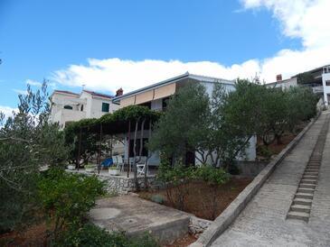 Okrug Donji, Čiovo, Propiedad 17078 - Apartamentos by the sea.
