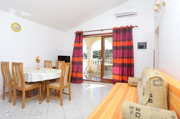 Oštrička luka, Living room in the apartment, air condition available, (pet friendly) and WiFi.