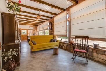 Artatore, Obývací pokoj 1 v ubytování typu house, s klimatizací, domácí mazlíčci povoleni a WiFi.