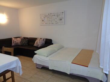 Lopar, Dnevni boravak u smještaju tipa apartment, dostupna klima i WiFi.