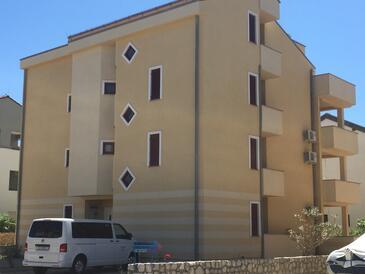 Novalja, Pag, Объект 17110 - Апартаменты с галечным пляжем.
