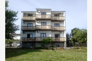 Apartments by the sea Sveti Filip i Jakov, Biograd - 17114