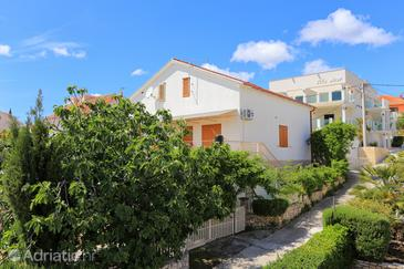 Seget Vranjica, Trogir, Property 17125 - Apartments by the sea.