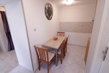 Novalja, Jídelna v ubytování typu apartment, WiFi.