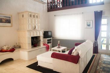 Molunat, Гостиная 1 в размещении типа apartment, доступный кондиционер, Домашние животные допускаются и WiFi.