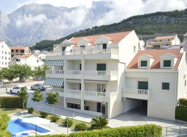 Promajna, Makarska, Property 17160 - Apartments with pebble beach.