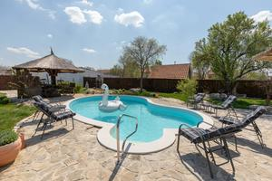 Family friendly house with a swimming pool Bogatić, Krka - 17168