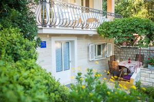 Apartments by the sea Petrčane, Zadar - 17179