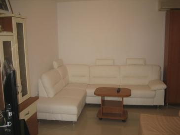 Gajac, Obývací pokoj v ubytování typu apartment, s klimatizací a WiFi.