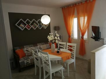 Lopud, Dining room in the apartment, air condition available and WiFi.
