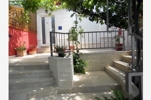Apartments by the sea Krilo Jesenice, Omiš - 17204