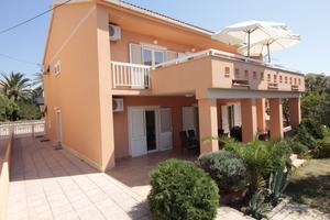 Apartments and rooms with parking space Novalja (Pag) - 17211