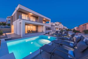 Appartements avec la piscine Novalja (Pag) - 17216
