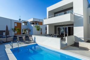 Appartements avec la piscine Novalja (Pag) - 17219