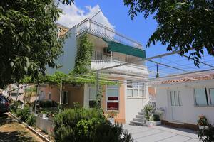 Apartments by the sea Podstrana (Split) - 17229